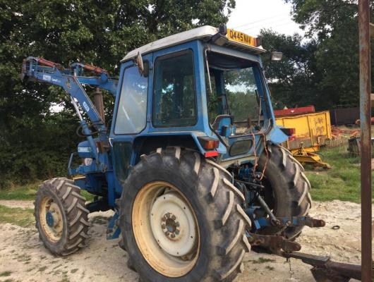 Ford 5610 tractor 4 WD with loader £6700
