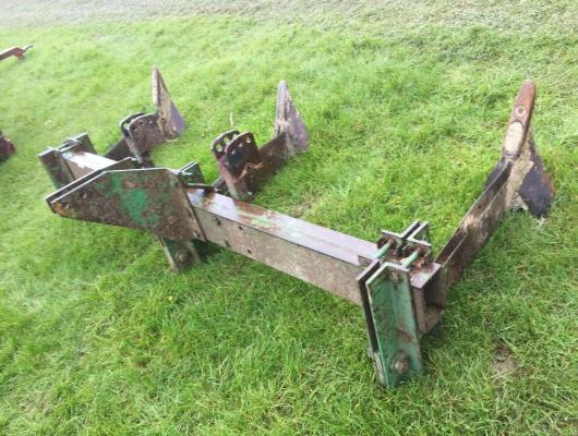 Subsoiler 3 leg - John Deere 8ft wide £580 plus vat £696