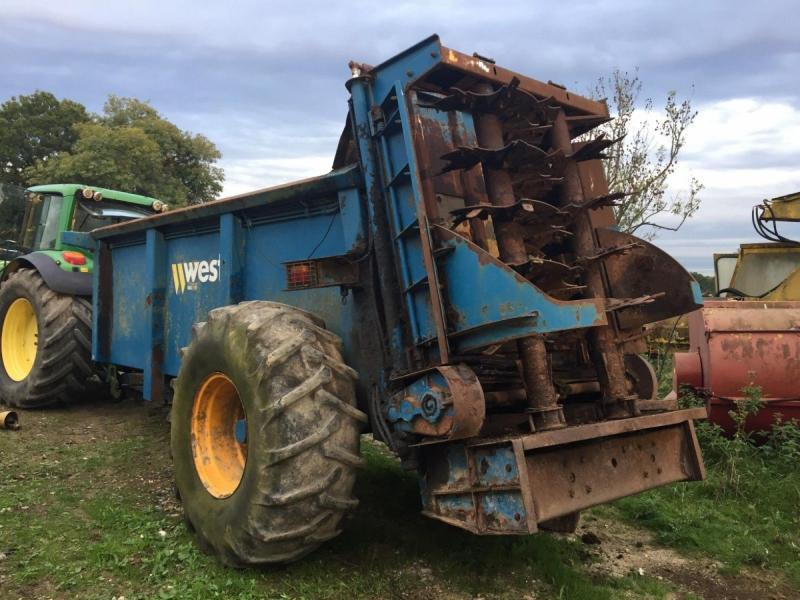 West 12 ton muck spreader £3950 plus vat £4740