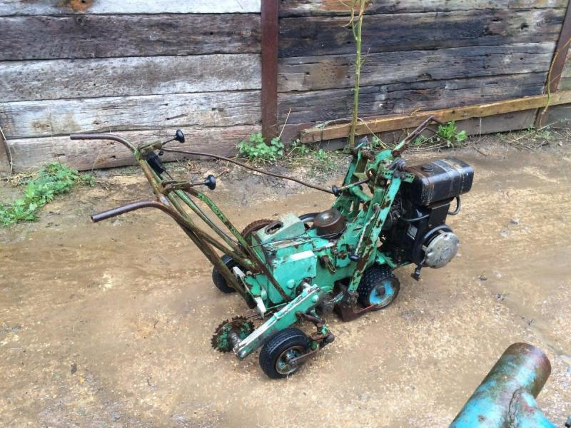 Turf Cutter - petrol engine £350