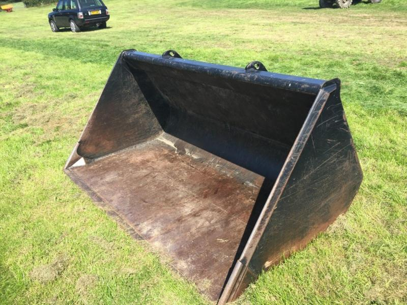JCB one ton grain bucket £980 plus vat £1176
