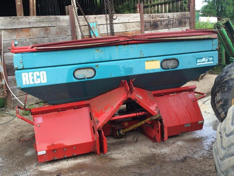 Fertiliser Spreader Reco Sulky £600 plus vat £720