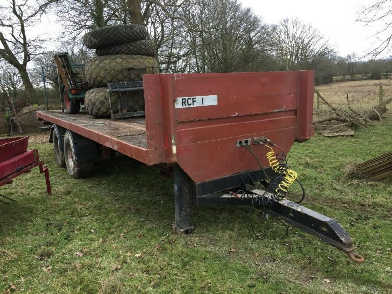 Trailer Twin axle heavy duty on air and oil £1850