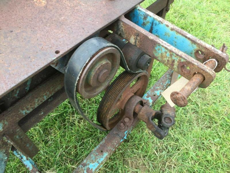 Saw Bench pto driven - three point linkage £380 plus vat £456