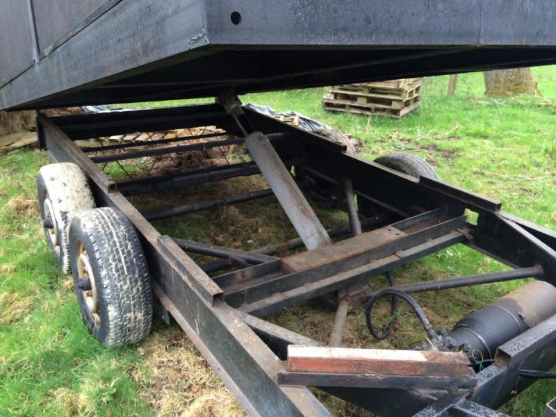 Tipping Trailer muck - purpose built - electric tipping £1500