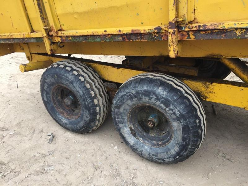 Tipping trailer - muck trailer - twin axle £1950