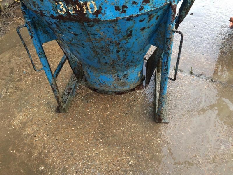 Concrete Pouring Skip £400 plus vat £480