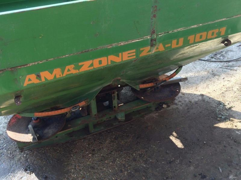 Amazone twin spreader with top extension £480 plus vat £576