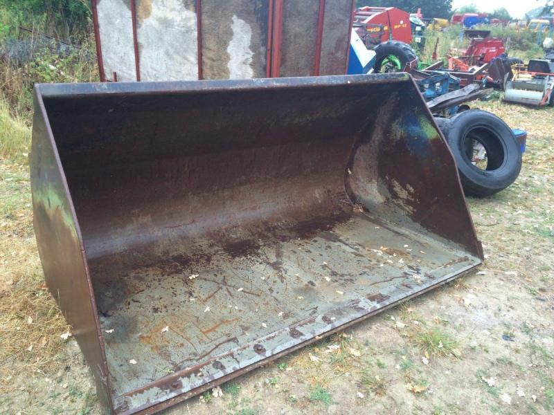 Telehandler bucket - large grain bucket 8 foot wide £950
