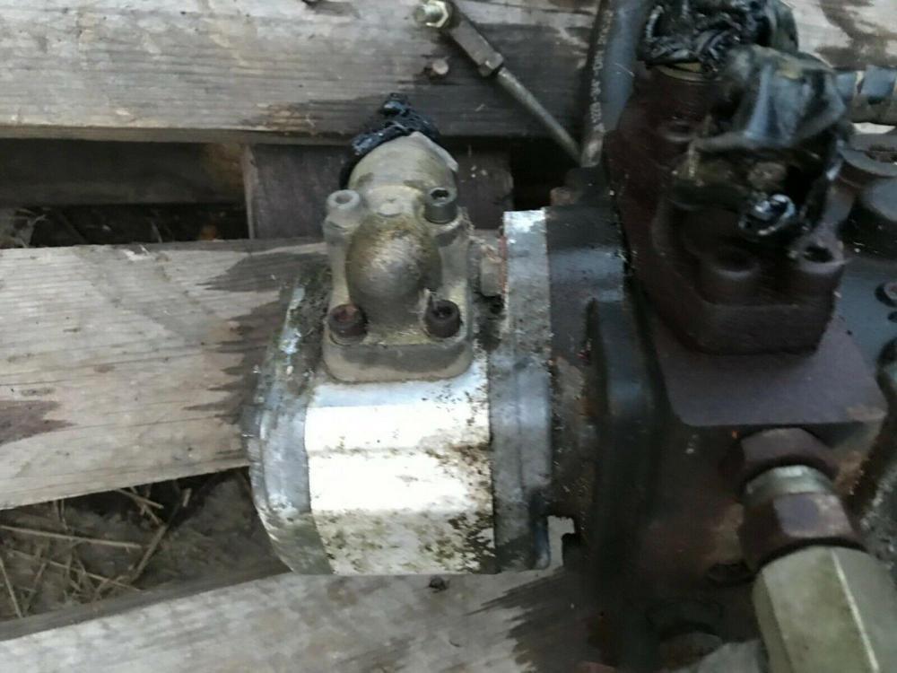 Huxley 358 Greens Mower main hydraulic pump unit £250