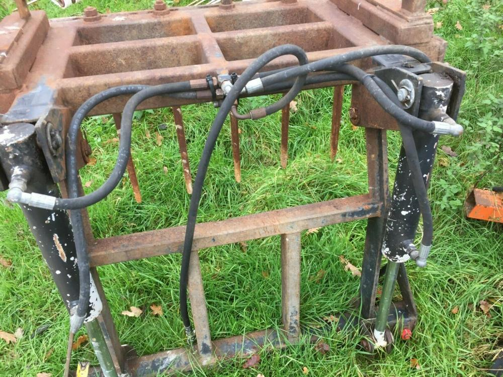 Sileage - Dung Grab - Slewtic £650 plus vat £780