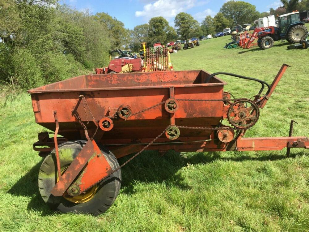 Fertiliser Spreader Tasker £440