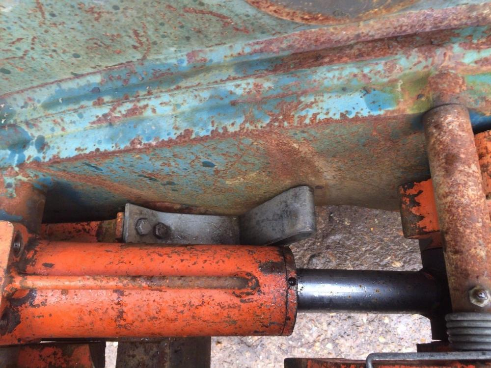 Quick Hitch hydraulic 80mm pins £450