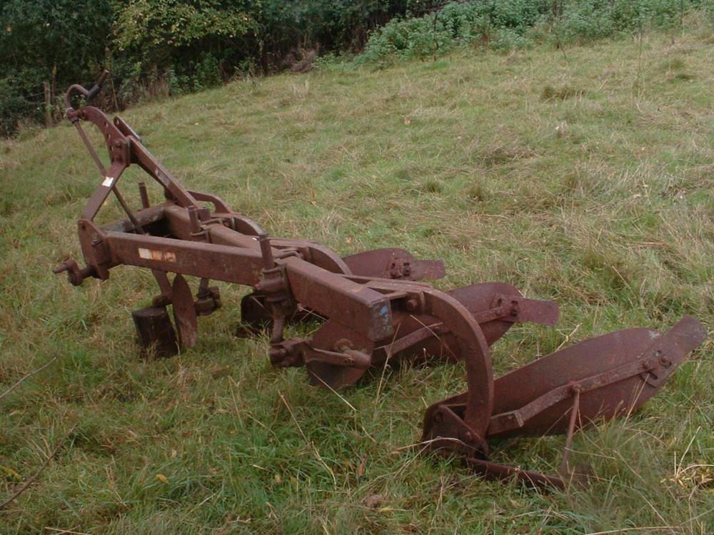 Massey Fergusson three furrow plough