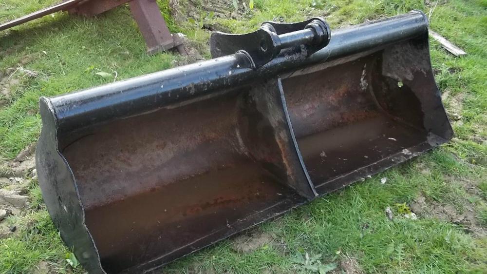 Ditching Bucket Kubota 5ft £375 plus vat £450
