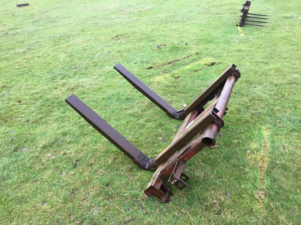 pallet forks - 3 point linkage £280 plus vat £336