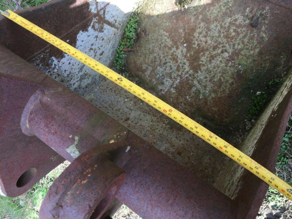 Excavator Digging Bucket 45 mm pins - £350 - Gatwick