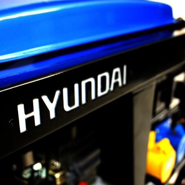 Hyundai 2.8kW Electric Start Petrol Generator HY3100LE