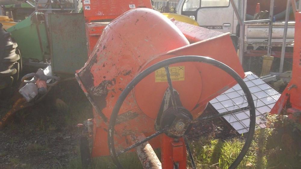Belle 100 XT diesel engine cement mixer £475 plus vat £570