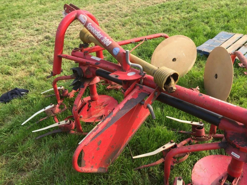 Vicon Hay Bob 3000 £450 plus vat £540