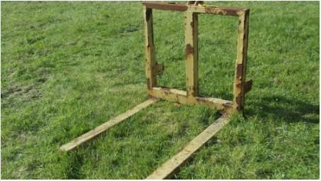 Tractor Pallet Forks rear three point linkage