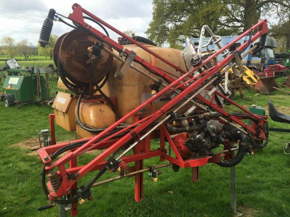 Demountable Spray unit £400 plus vat £480