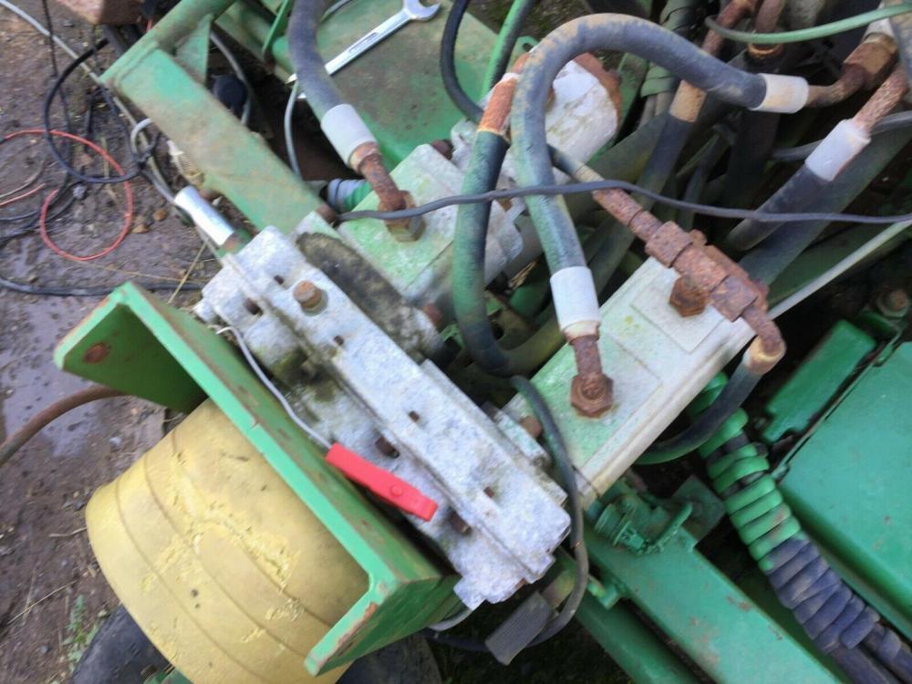 Ultra Hydraulic Motor 5092 4294 breaking John Deere mower £150 plus vat £180