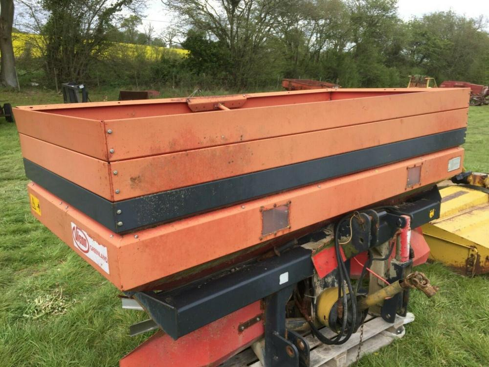 Vicon Rotaflow Fert Spreader £680 plus vat £816