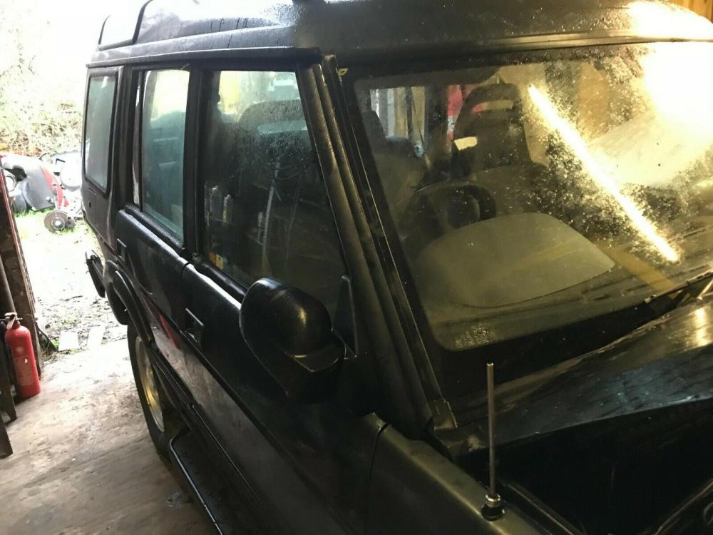 Landrover Discovery Landrover Discovery 300 TDi offside front door £90