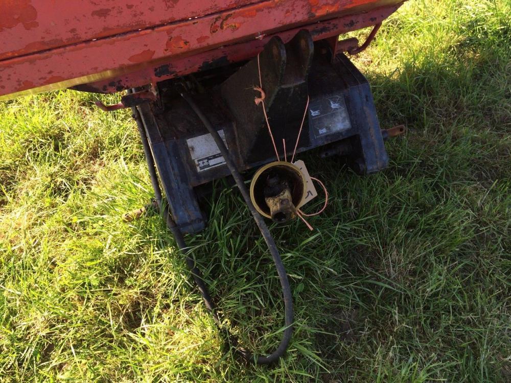 Fertiliser Spreader - hydraulic shut off £400