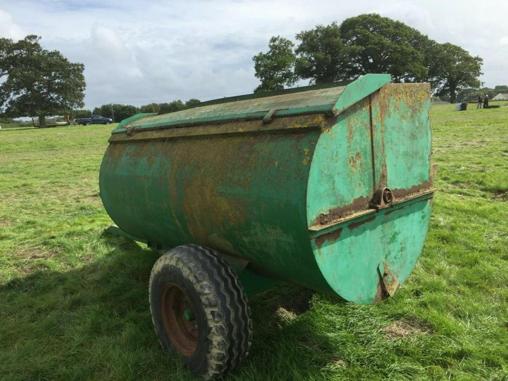 Dungspreader rotary - pto driven £750 plus vat £900