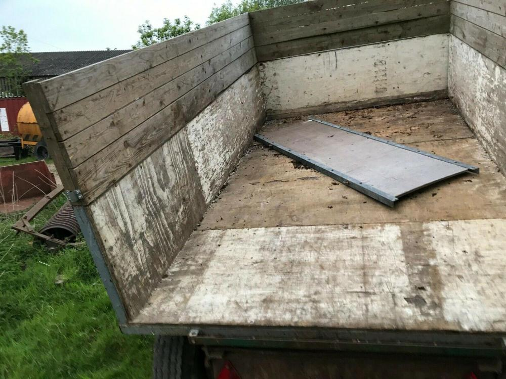 Tipping Trailer 3 ton £580 - tractor operated