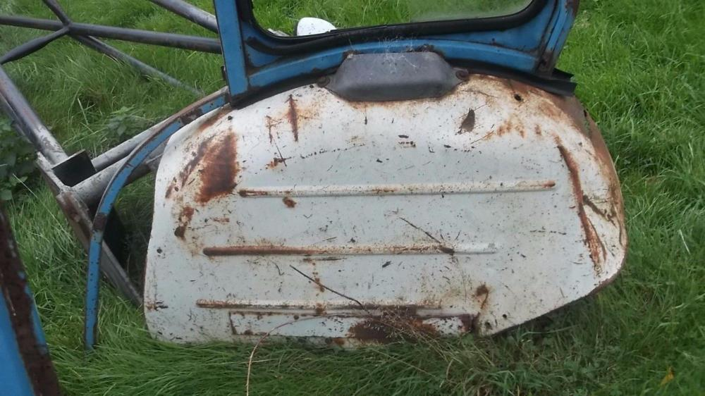 Ford 4000 tractor cab £375