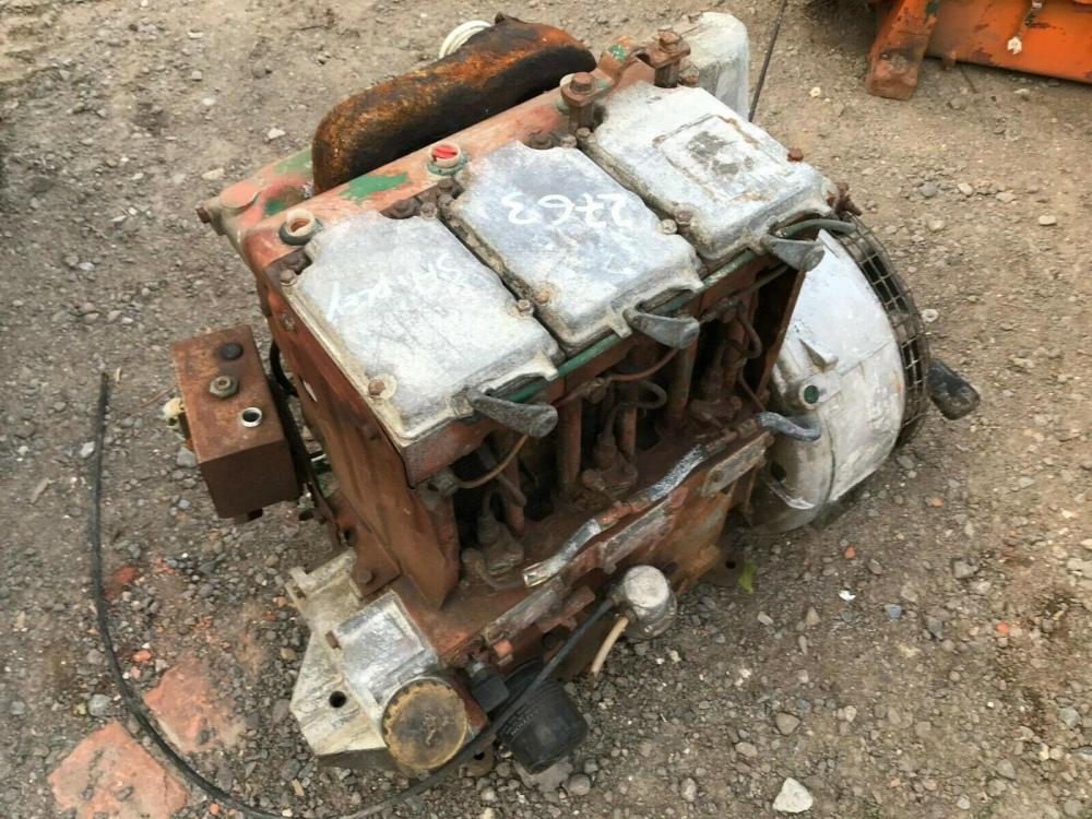 Lister 3 cylinder engine with hydraulic pump - spares only £360 plus vat £432