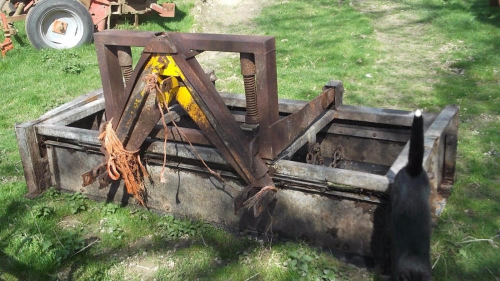 tractor mounted dung scraper £450