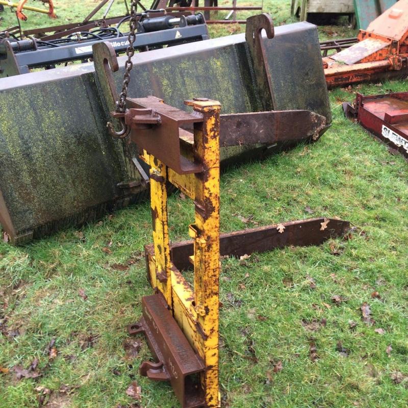 pallet forks quicke 3 loader £380