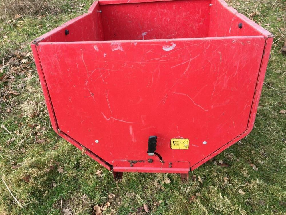Tipping trailer - garden £275 plus vat £330