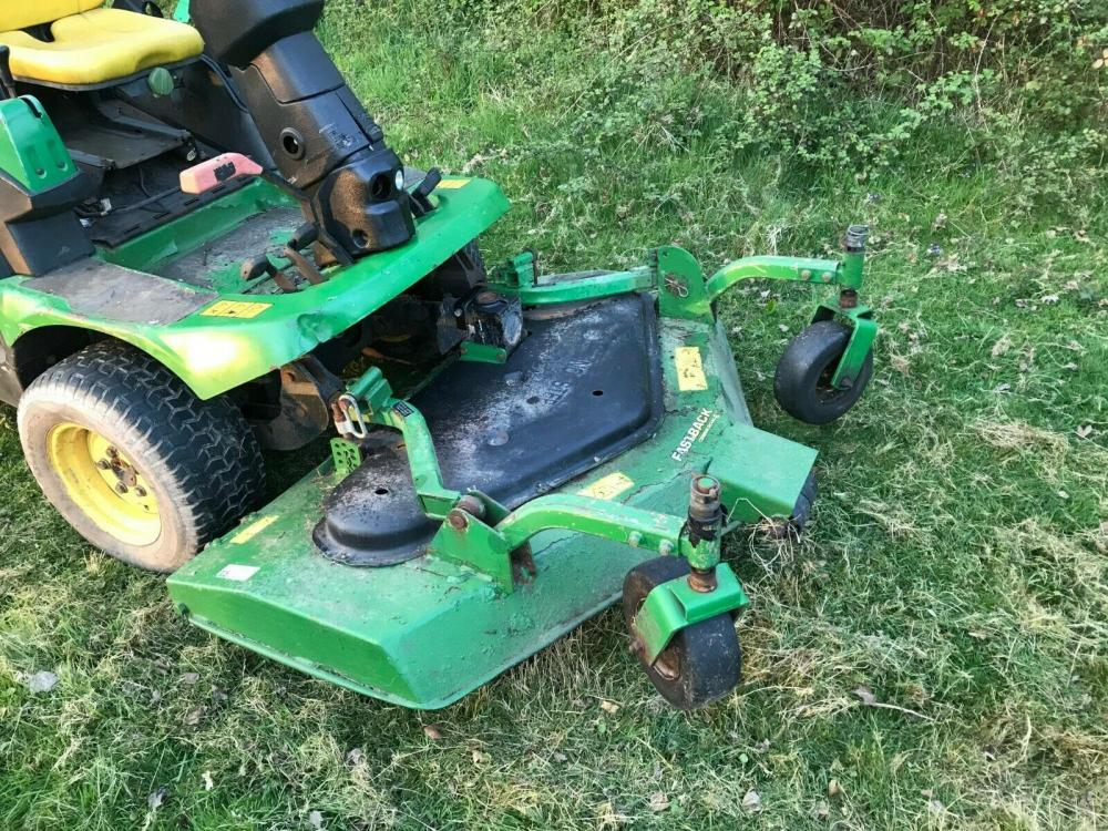 John Deere 1445 out front Ride on Mower £3400