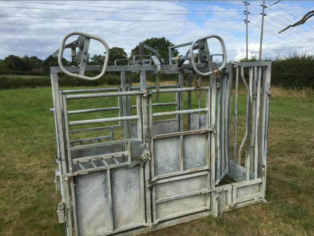 Cattle Crush £1250 plus vat £1500
