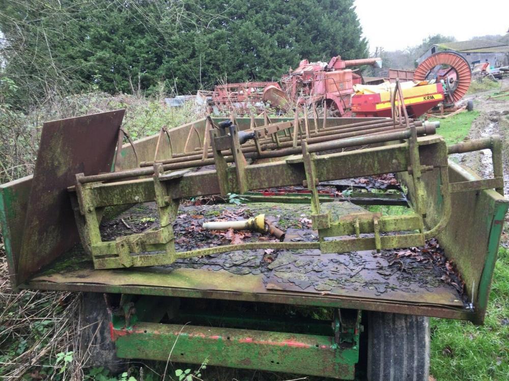 Tipping trailer 3 ton £750