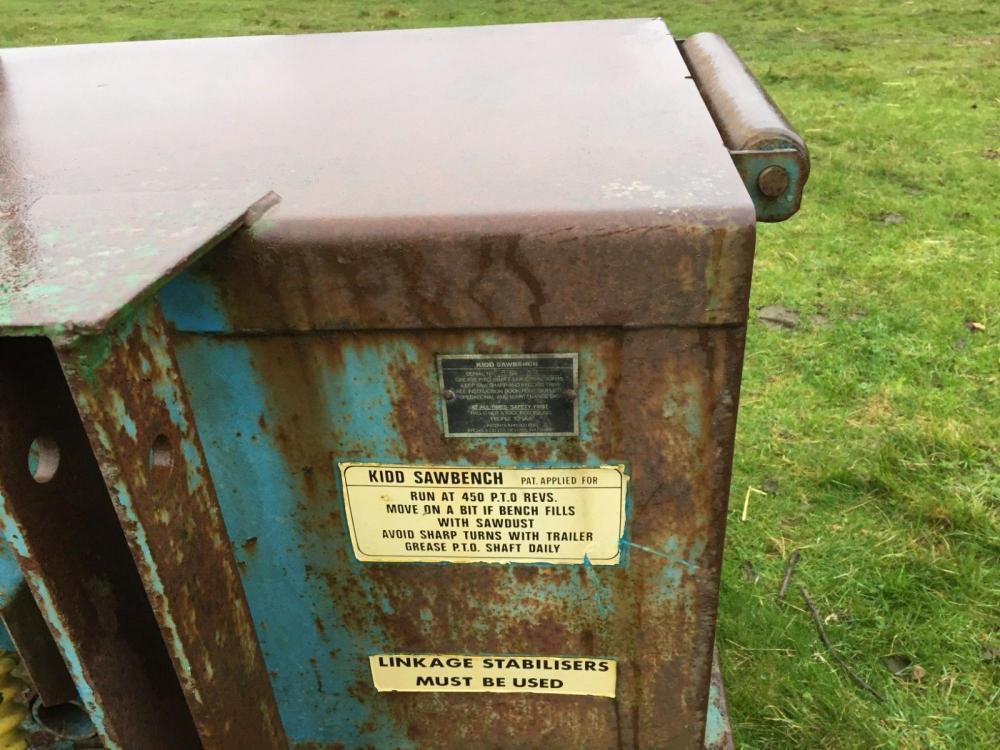 Kidd saw bench £1200