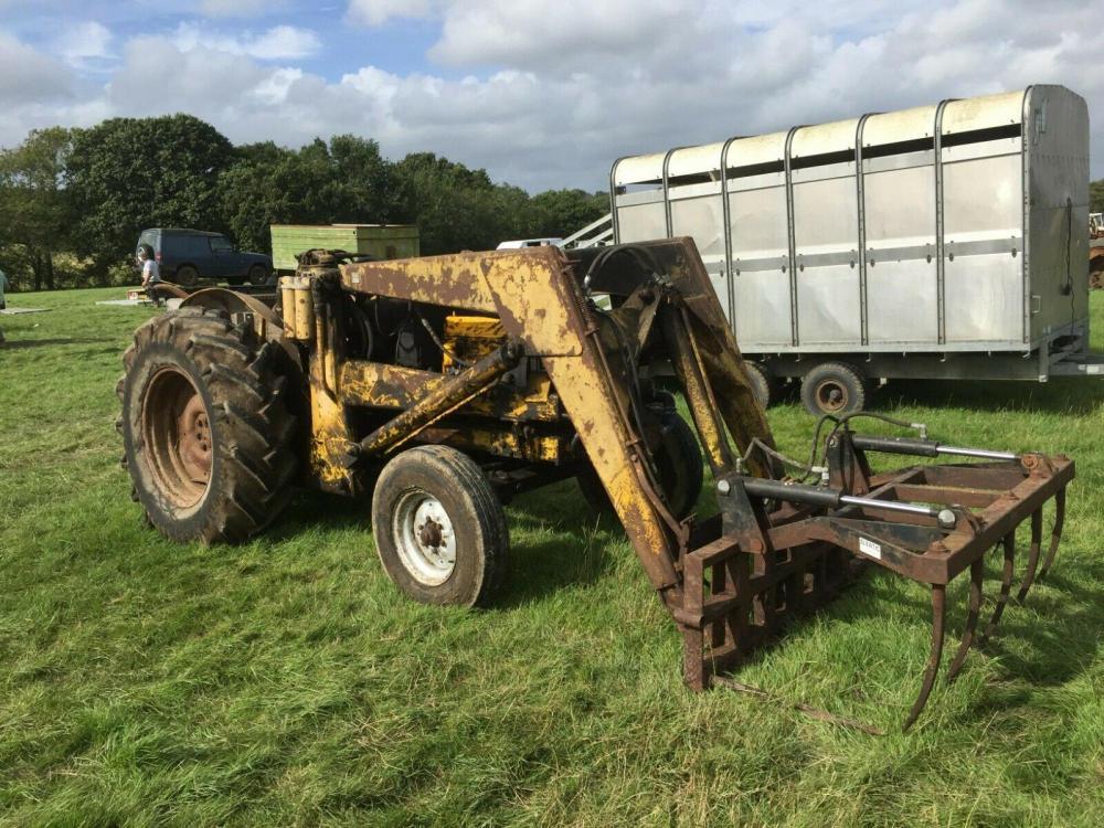Major Loader Tractor £2950 plus vat £3540