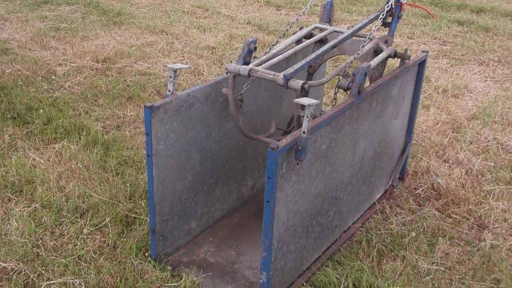 Sheep turnover crate