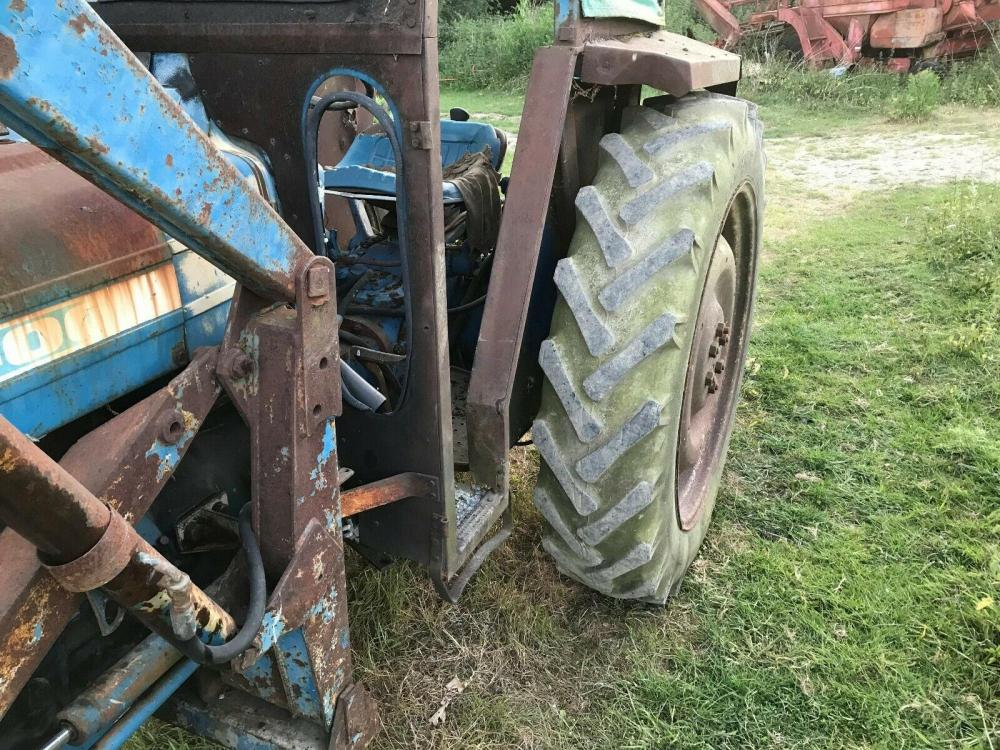 Ford 4000 Tractor Tractor with loader £3450