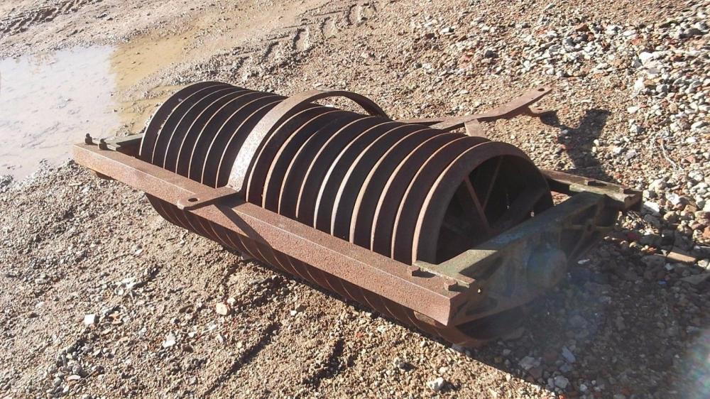 Paddock Ribbed Roller approx 4ft 6 wide £350 plus vat £420