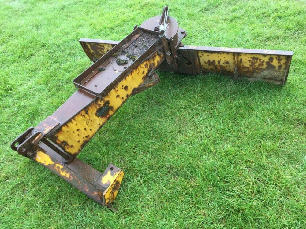 5 foot levelling blade on three point tractor linkage £390 plus vat £468