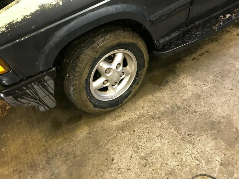 Landrover Discovery 300 TDi n s front wing £50